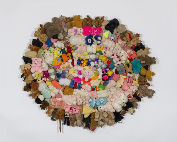 "麦克·凯利(Mike Kelley),《Untitled (from the series ""Half a Man"")》(约2004 – 2006) 图片: © Mike Kelley Foundation for the Arts Courtesy the Foundation and Hauser & Wirth  摄影:Joshua White"