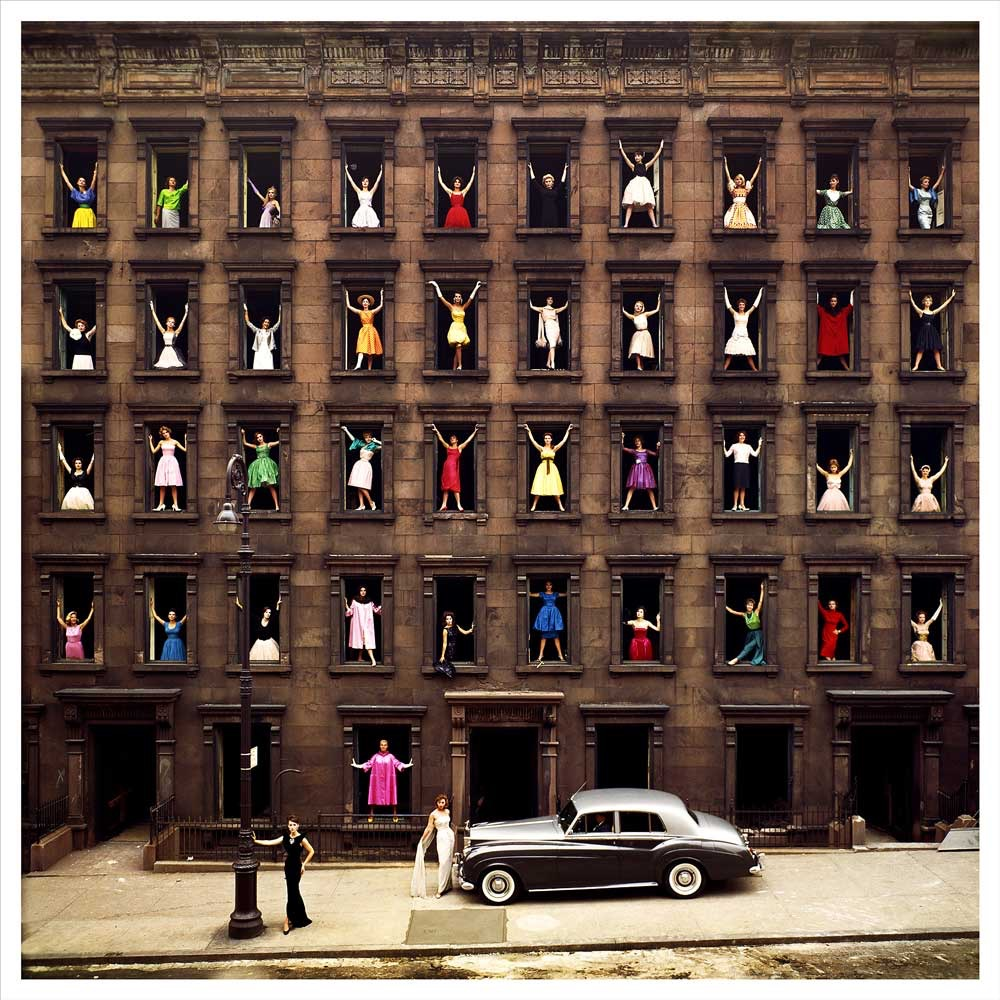 奥蒙德·吉格利(Ormond Gigli)《窗中女孩》(Girls in the Windows),纽约,1960  致谢:Courtesy of Staley-Wise Gallery | New York