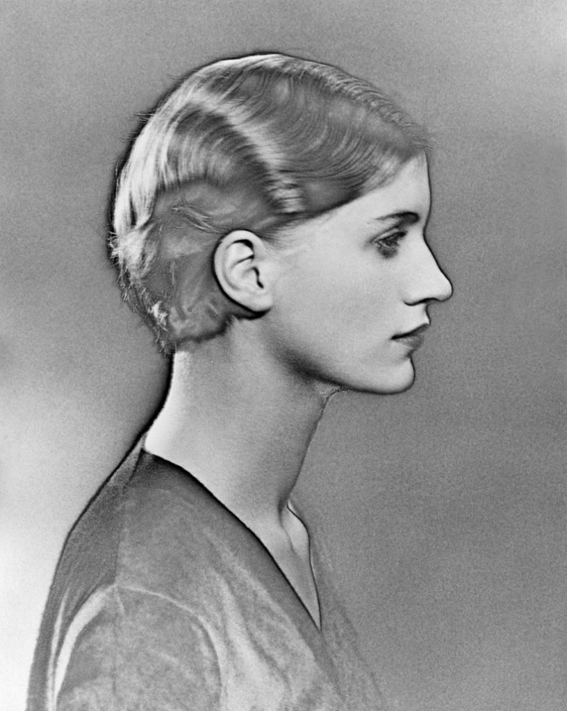 曼·雷,《Man Ray,过度曝光的李·米勒肖像》(Solarized Portrait of Lee Miller ,1930) Photo: © Man Ray Trust/Artists Rights Society (ARS),NY/ADAGP,Paris/Telimage