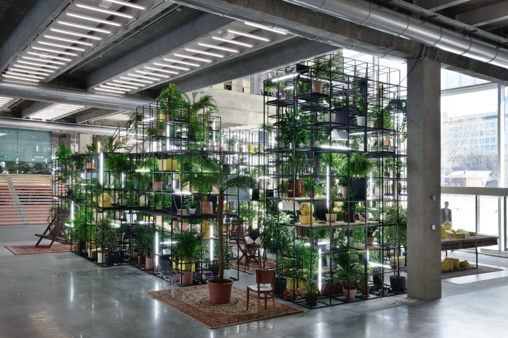 拉希德·约翰逊(Rashid Johnson),《我们的门内》(Within Our Gates,2016)。图片:Courtesy of Hauser & Wirth