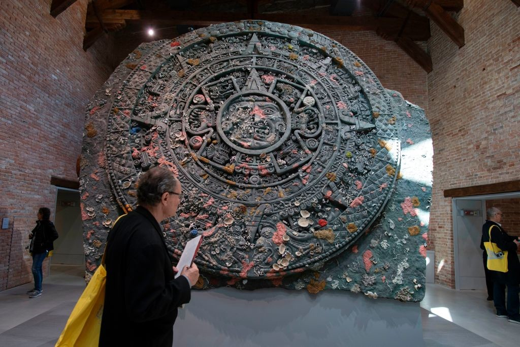 赫斯特的《Calendar Stone》。图片:MiguelMedina/AFP/Getty Images