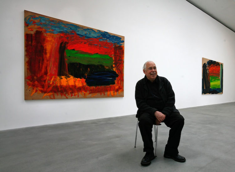 2008年,晚年的Howard Hodgkin和他一屋子的绘画作品。图片:Cate Gillon/Getty Images