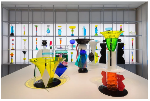 "Installation view of the Memphis room in ""Ettore Sottsass: il vetro"