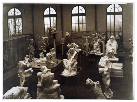 Jacques-Ernest Bulloz's General View of the Studio in Meudon (1904–1905)。图片:Courtesy of Musée Rodin