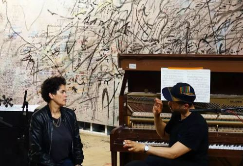Julie Mehretu 和Jason Moran 共同合作的项目,2017。图片:Courtesy of Damien Young