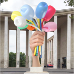 杰夫·昆斯(Jeff Koons),《郁金香花束》(Bouquet of Tulips, 2016)。图片:©Jeff Koons, courtesy Noirmont art production. 3D Illustration of the work in situ