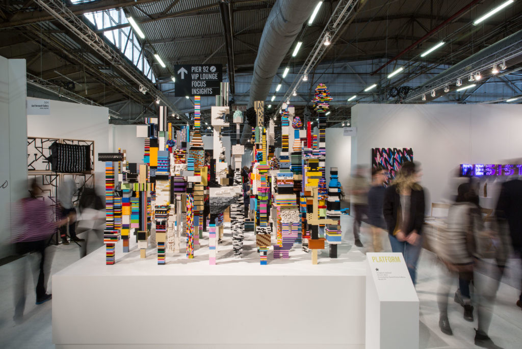 小说家、艺术家道格拉斯·科普兰(Douglas Coupland),《Platform Project》。图片:by Jennifer Calais;Courtesy of The Armory Show