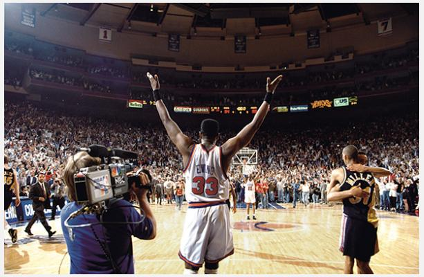 George Kalinsky, 《Patrick Ewing and the Knicks win the NBA Eastern Conference Championship, June 5, 1994》。图片:courtesy of the New-York Historical Society